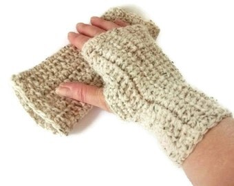 Small Crochet Fingerless Mittens/Gloves in Oatmeal Wool. Fashion Accessories, Wristwarmers, Handwarmers. Winter warmers.