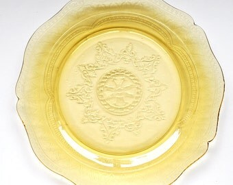 Yellow Federal Depression Glass Plate Patrician Spoke
