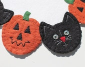 "Halloween ""Cats & Jacks"" Penny Rug Candle Mat, Holiday Decor Penny Rug, Rustic Home Decor, Orange, Black"