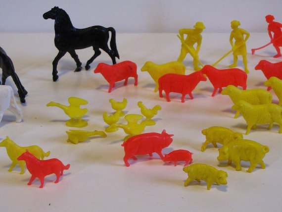 Vintage plastic farm animals toys dogs by heartlandvintageshop for Model chicken set