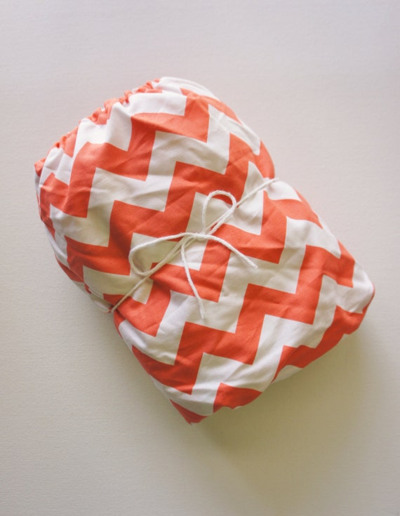 Fitted Crib/Toddler Sheet - Riley Blake - Coral Chevron