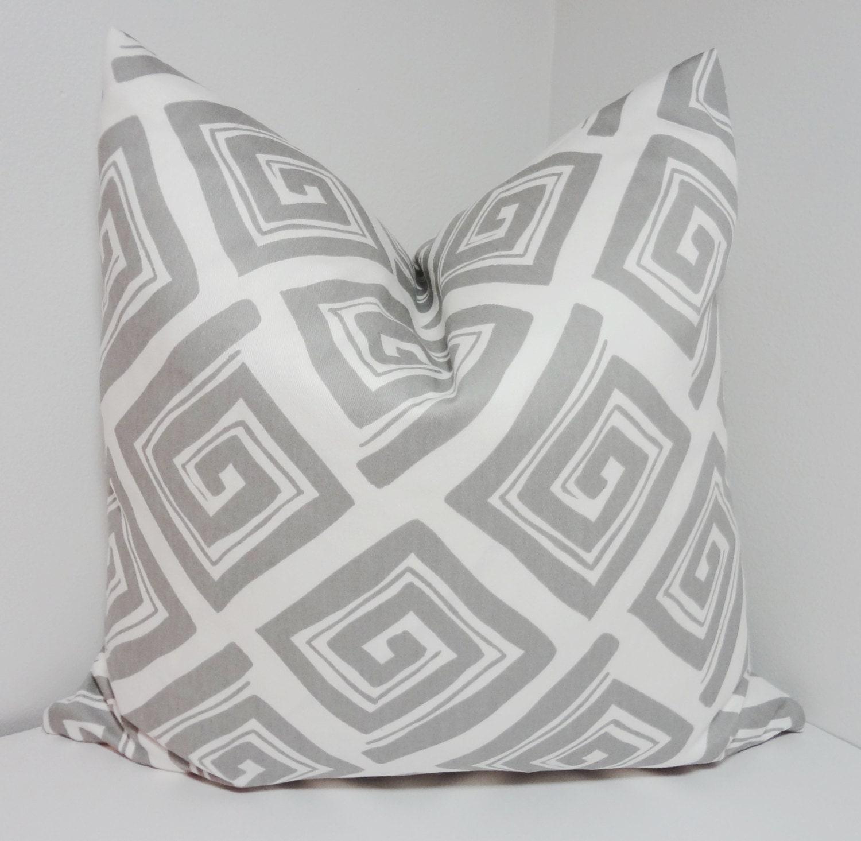 grey white maze print pillow decorative pillow cover throw. Black Bedroom Furniture Sets. Home Design Ideas
