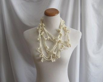 Cashmere Crochet Chain Flower Necklace - Off White - In Cashmere & Merino