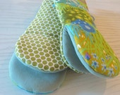 Vintage Abrstract Floral Teal and Avocado Green fabric Oven Mitts