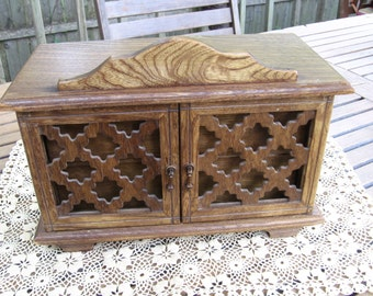 Jewelry Box with 2 drawers and doors and music box