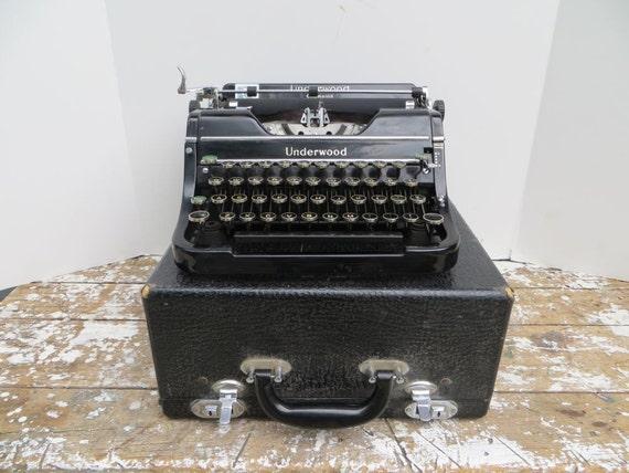 vintage machine crire underwood champion machine crire. Black Bedroom Furniture Sets. Home Design Ideas