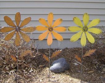 Metal flower stake, Daisy Flower Yard Stake, Daisy Garden Stake,  Metal Daisy Garden Stake