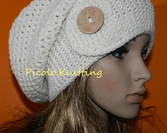 Handmade Slouchy Beanie in Cream, Large All Season Cap, Medium Chunky Slouchy Hat, Stylish Cap, Boho Medium Baggy Hat with Eco Button