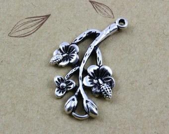 10Pcs Antique Silver Flower Charm Flower Pendant 28x17mm (PND417)