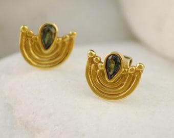 Green Tourmaline Solid 18K Gold Byzantine Stud Earrings - FREE Shipping