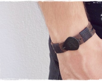 Rocker Leather Bracelet, Men's Leather Cuff Bracelet, Gothic Leather Cuff With Guitar Pick, Musician Leather Bracelet, Music Band Cuff