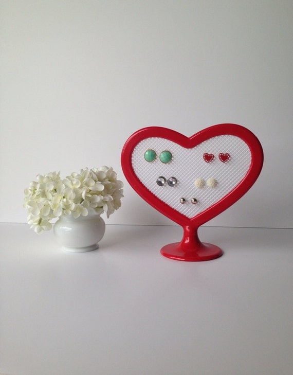 Modern, small, red, heart-shaped earring organizer
