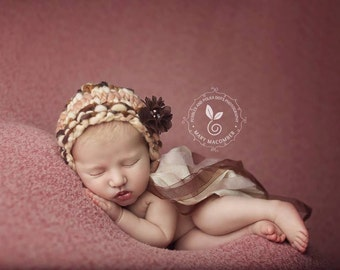 Newborn Bonnet - BREATHLESS - baby bonnet - newborn photo prop - knitbysarah - Stitches by Sarah