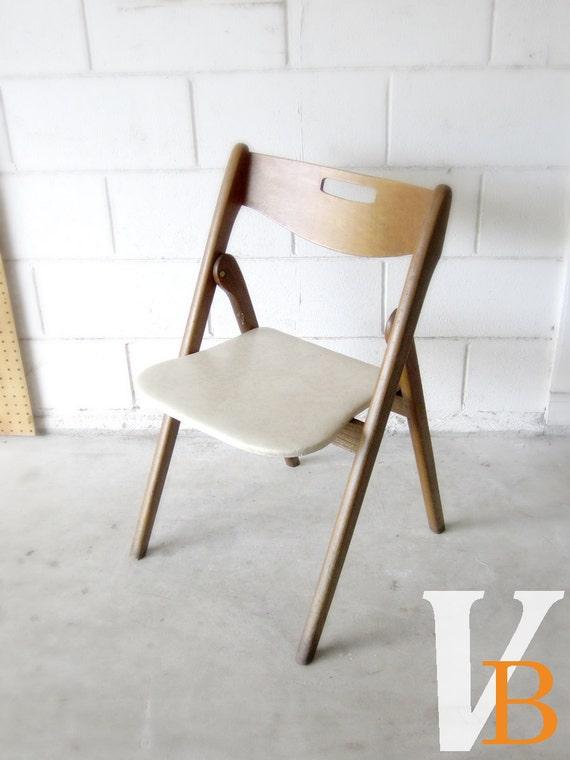10 Off Sale Vintage Wooden Folding Chair Vinyl Seat