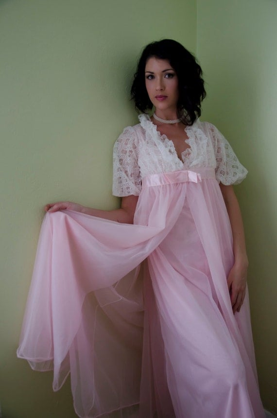 Vintage 50s Peignoir Robe Set Romantic Bubble Gum Pink Nylon Chiffon