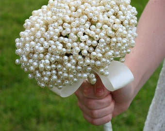 "SALE-Wedding Flowers Bridal Bouquet of ""Vintage"" Style Pearls Wedding Bouquet Brooch Bouquet"