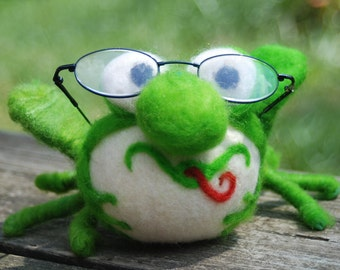 Needle Felted Green Frog on Crochet Lily Pad with Flower, Eyeglass Keeper Handmade