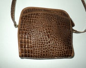 Vintage Faux Alligator Skin Shoulder Cross Body Bag with zippered opening in good condition