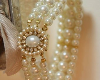 Pearls Wedding Bracelet Bridal Bracelet Rhinestone and Pearls Vintage Style Wedding Accessories Wedding Jewelry Pearls Great Gatsby Jewelry