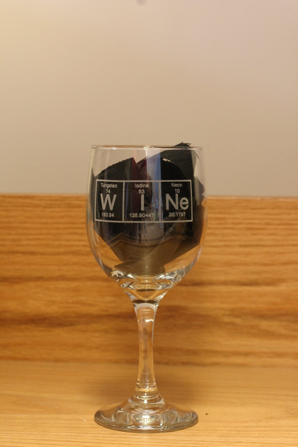 Periodic table wine periodic diagrams science periodic table wine glass engraved gamestrikefo Image collections