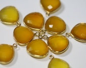 Yellow Chalcedony Faceted Heart Bezel Gemstone Vermeil Pendant, 18 x 15 mm GM0702FH/18/VP