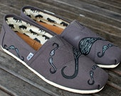 Big & Small Mustache Toms on Ash grey toms