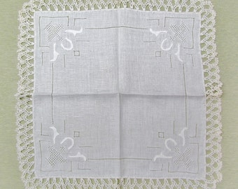 Vintage linen hanky with drawnwork, applique, and crocheted lace