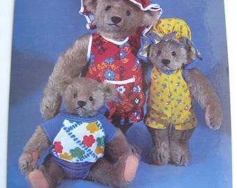 Teddy Bear Postcard  -  Family of bears dressed for the beach - Vintage 1980s