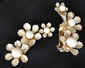 Vintage, white, flower, bead, Cora pierced, clip earrings