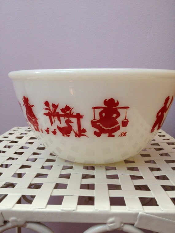 Vintage Hazel Atlas Milk Glass Bowl with Red Dutch Boy and Girl/Windmill/Tulips/Ducks