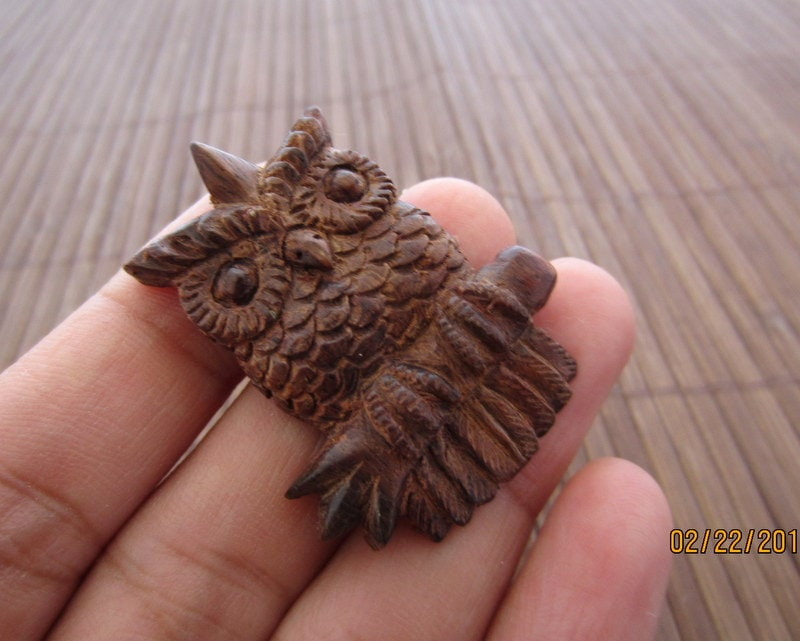 Sale gorgeous carved owl sono wood carving side by cabcabana