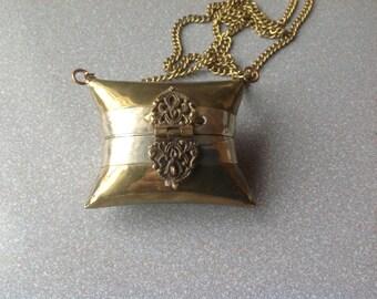 Vintage change purse Indian brass