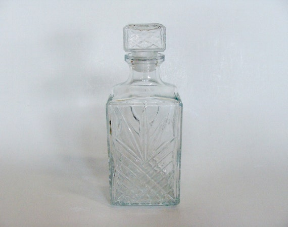 Square Covetro Italy Clear Glass Wine Liquor Whiskey Bottle