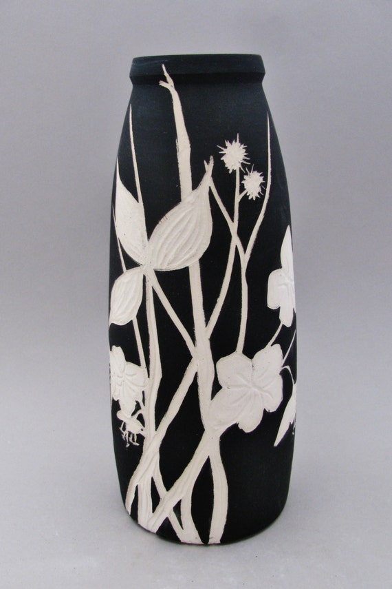 Black and white hand painted and carved ceramic vase floral for Big pot painting designs