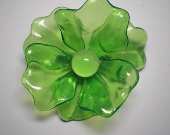 1960's Green Acetate Flower Brooch   Item No: 16695