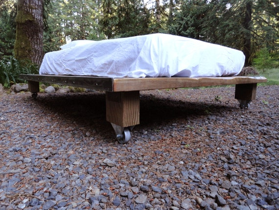rustic wood and steel platform bed full double size 64. Black Bedroom Furniture Sets. Home Design Ideas