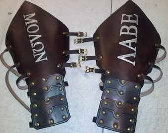 Leather Armor Reverse Clamshell Gauntlets with Graphics