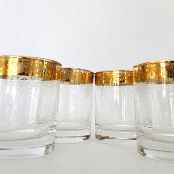 Vintage Old Fashioned Glass Etched Scroll Gold Rim Crystal Cellini 24 KTS Gold Italy Hand Decorated Four Rocks Glass Low Ball Bar Ware