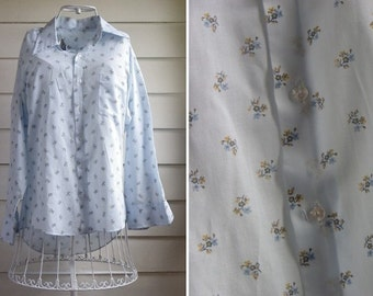 Vintage 1970s/1980s Light BLUE BLOUSE with FLORAL Pattern