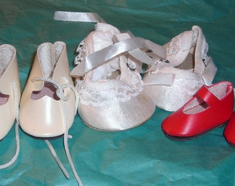 Vintage Doll Shoes....Red Mary Janes ......Ballet Slippers .... Brinn's.....BA3