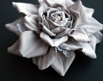Leather Rose Flower Brooch (Misty rose color)