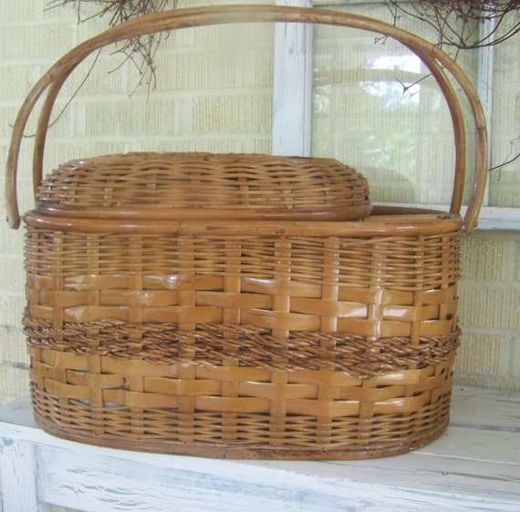 Picnic Basket Items : Items similar to large vintage picnic basket lined