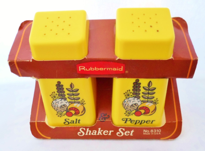 Rubbermaid Plastic Salt And Pepper