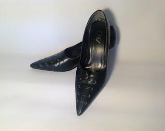Women's vintage Duma black pumps