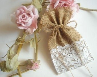50 Burlap Bags,Rustic favor bags with  lace,Rustic eco friendly bags