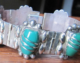 Vintage Mexican Sterling Silver bracelet jewelry natural green chrysoprase hand made Mexico 7 curved hinged panel Hecho en Mexico