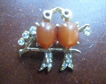 Rhinestone Lovebirds Brooch