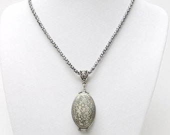 Multi Open Oval Hinged Locket Pendant Necklace in Brushed Silver