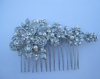 Pearl bridal hair comb wedding comb wedding hair comb wedding hair accessories wedding hairpiece wedding hair flower wedding hair jewelry