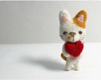 Kenny Cat - needle felted wool brooch, crystal bead